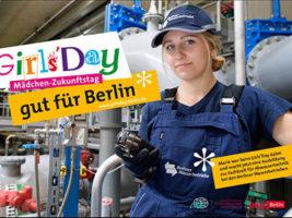 Junge Frau im Betrieb beim Girls'Day