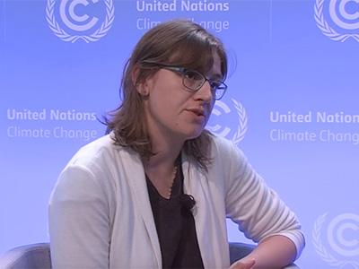 Patricia Bohland spricht beim Climate Action Studio auf der UN-Klimakonferenz in Bonn