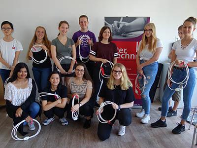 12 junge Frauen starten ins Technische Jahr