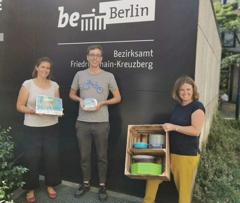 Bezirksamt Friedrichshain-Kreuzberg testet Mehrwegkiste für Mittagspause